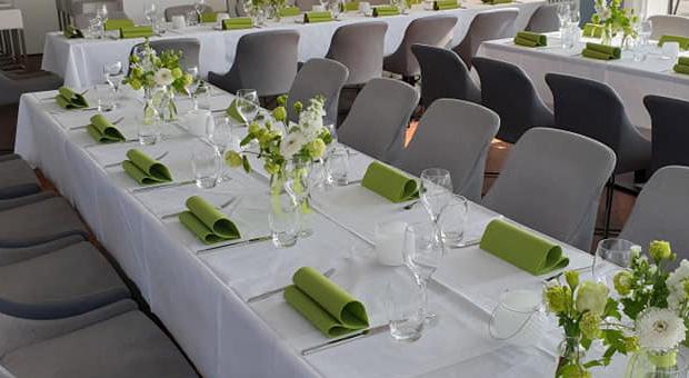 Dekoträume Hamburg | Eventfloristik | Hochzeit | Trauerfeier | Geburtstage | Feiern etc.